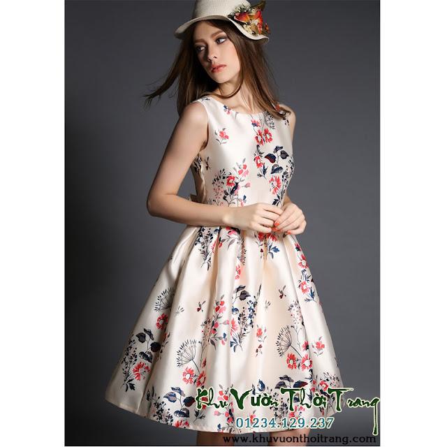 Đầm tiểu thư phong cách cổ điển .