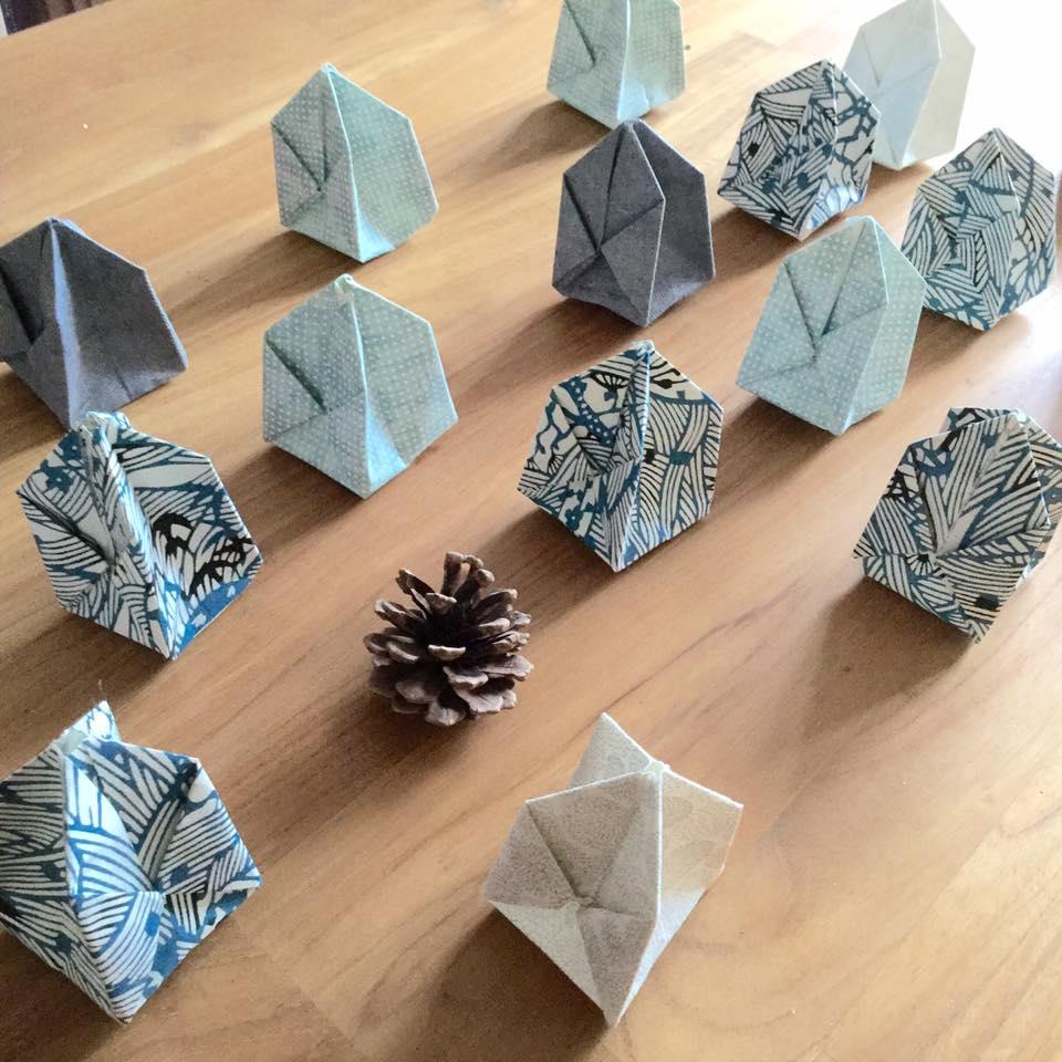 la papelista le blog les guirlandes lumineuses origami se plient en 4. Black Bedroom Furniture Sets. Home Design Ideas