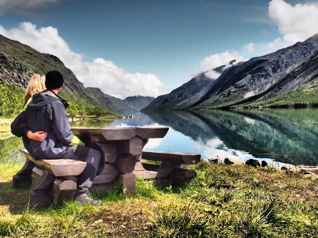 Gjende, lavička, voda, příroda, Norsko, Jotunheimen