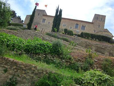 Castillo de Sant Marti Sarroca cerca de Barcelona