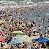 Reservar sitio, castillos de arena, fumar y otras restricciones en la playas