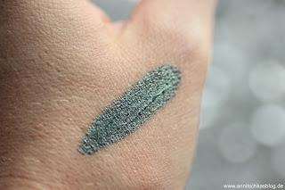 Review: 13 essence Update Produkte - Metal Shock Eyeshadow Swatch - www.annitschkasblog.de