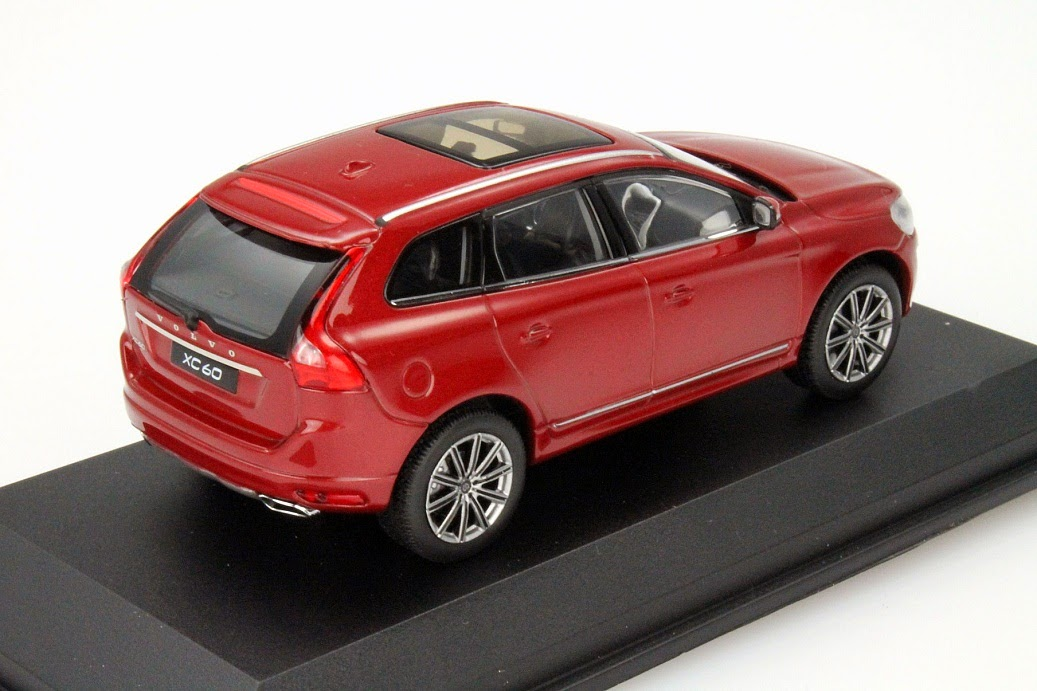 modellauto news neue modellautos von volvo volvo xc70 v70 und xc60 in 1 43. Black Bedroom Furniture Sets. Home Design Ideas