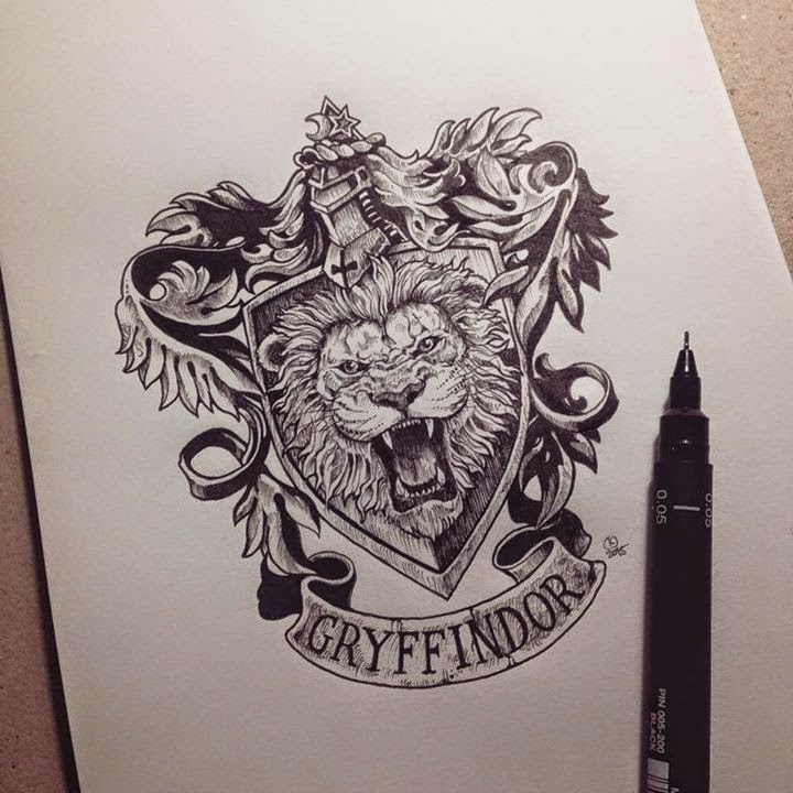 12-Harry-Potter-Gryffindor-Kerby-Rosanes-Detailed-Moleskine-Doodles-Illustrations-and-Drawings-www-designstack-co