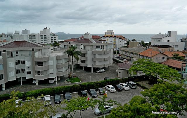 A Praia dos Ingleses, em Florianópolis (SC), vista do terraço do Hotel Porto Sol Ingleses