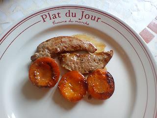 Aiguillettes de canard aux abricots rôtis