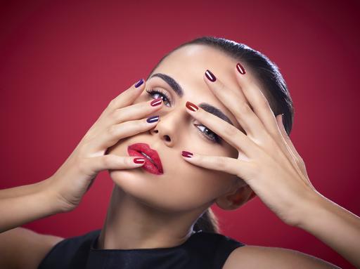 IsaDora Iconic Nails