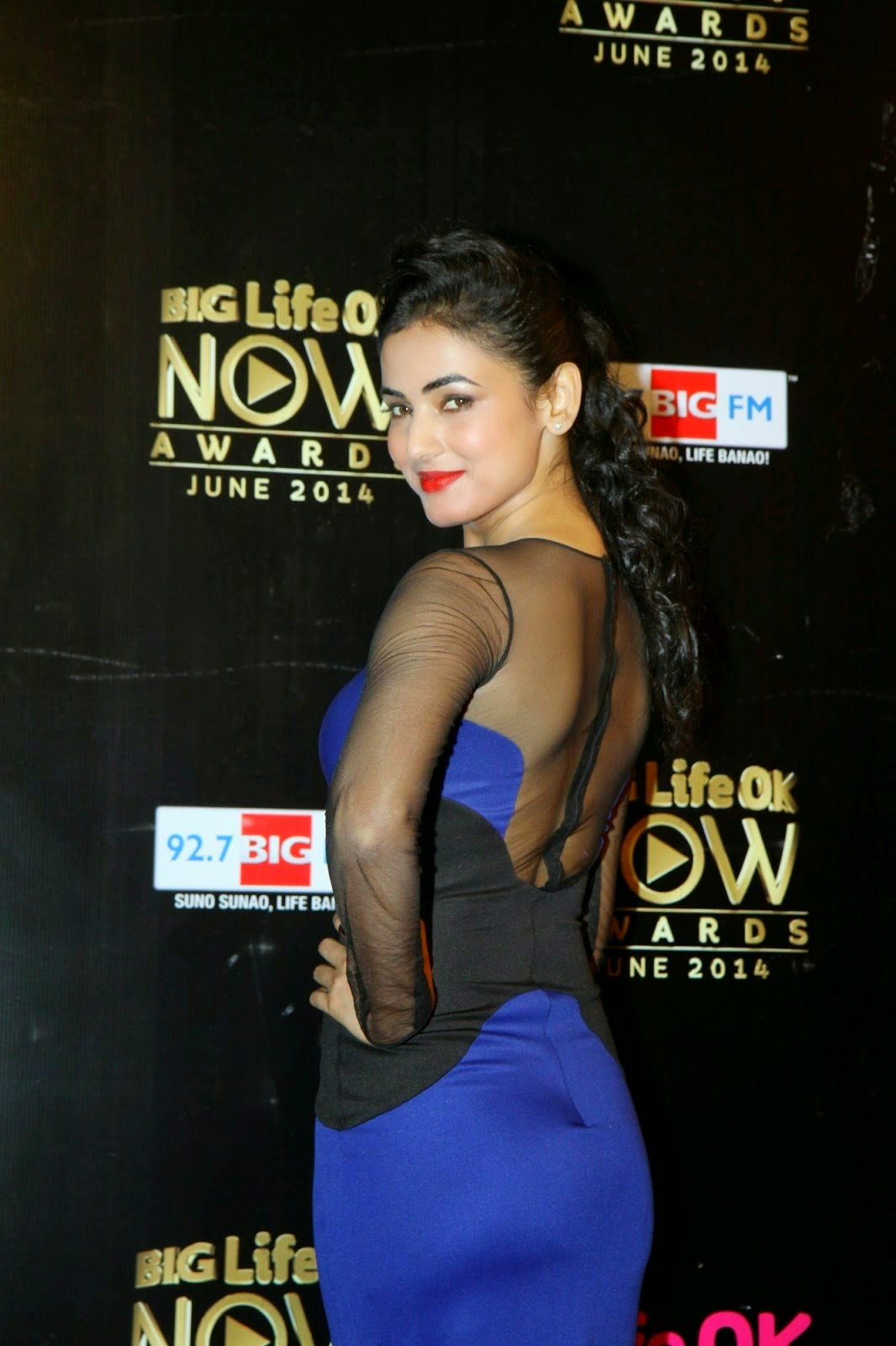 Sonal Chauhan flaunting her ass in See Through Blue Dress
