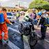 Fumigan vehículos e intalaciones para prevenir contagios de Covid-19 en San Juan Sacatepéquez