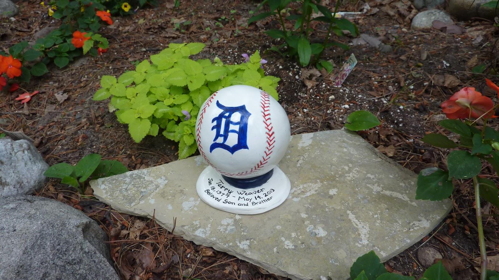 Portions Urn, Baseball Urn, Detroit Tigers