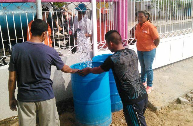 vp-reparte-agua-mas-de-cien-familias-en-sectores-populares-de-la-villa