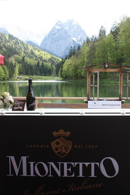Mionetto-Bar, Hochzeit, Instagram und Social Media, heiraten in Garmisch, Riessersee Hotel, Bayern, Berghochzeit, Natur, See, Mai