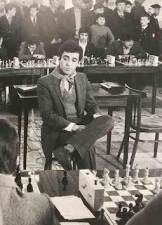 Jouez à la question du mercredi sur les échecs - Photo © Boris Dolmatovsky