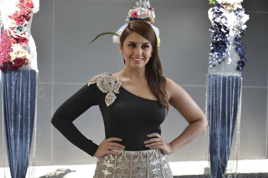 Beautiful Mumbai Model Huma Qureshi Long Hair Stills In Black Gown