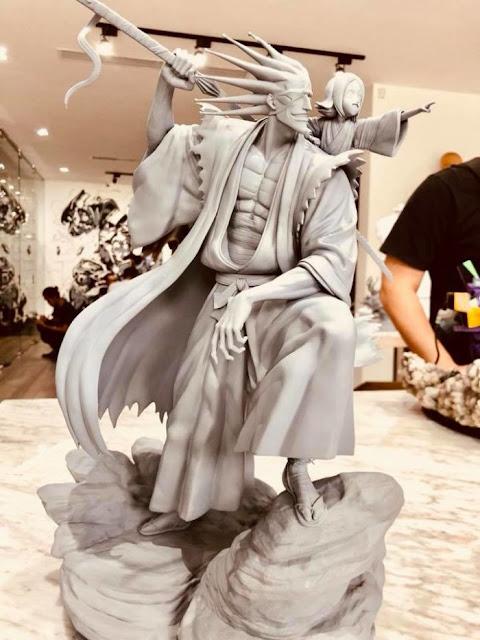 "Kenpachi y Yachiru Kusajishi de ""Bleach"" - Ryu Studio"
