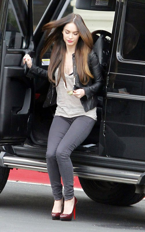 steal their style megan fox sexy in siwy jeans