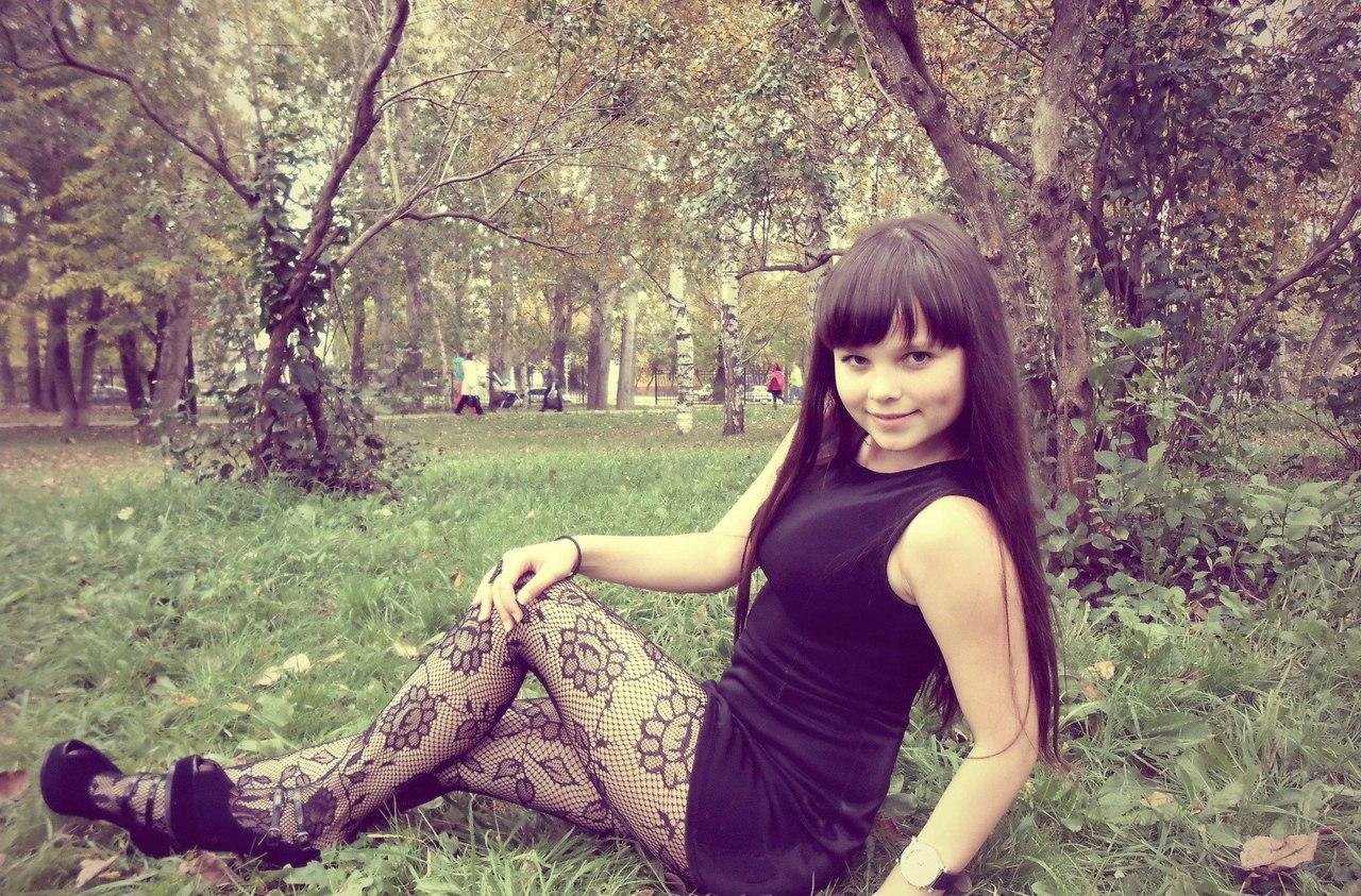 Feet, Legs, Nylon Amateur Teen Girls In Nylons, Stockings -7210