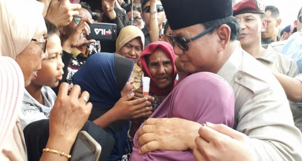 Tiba di Pengungsian, Prabowo Diteriaki Presiden