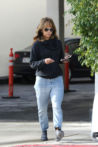 Halle Berry at the dentist office in Beverly Hills - Fri Jan 18 2019