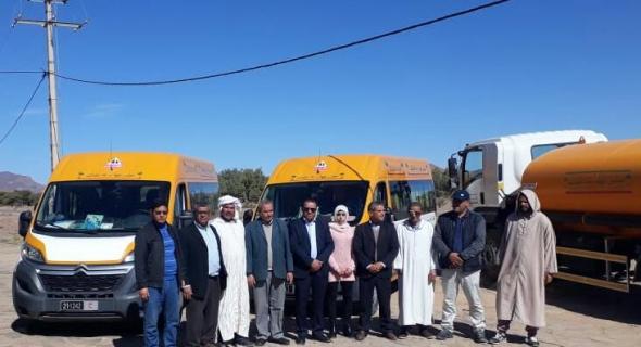 جهة درعة تافيلالت   يدعم جماعات بالشاحنات الصهريجية وحافلات النقل المدرسي