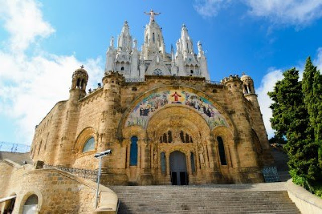 Barcelona City, Images, Most visit places, barcelona city pictures, Barcelona City Sapin, Visit Barcelona City in Spain, Spain Tour, most popular places in spain, life in barcelona city spain, mountains in spain, living barcelona city spain,