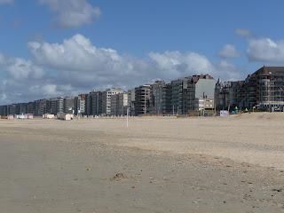www.depanne.mobi (Bekijk het grootste aanbod hotels, vakantiehuizen, campings in De Panne en online Plopsaland tickets met korting)