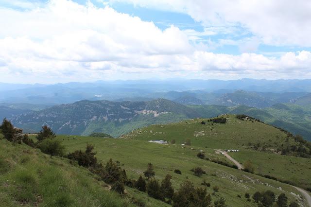 Alta Garrotxa, Puig de Comanegra, Puig de les Bruixes, Montagut i Oix, Girona, Catalunya, natura, ruta senderista