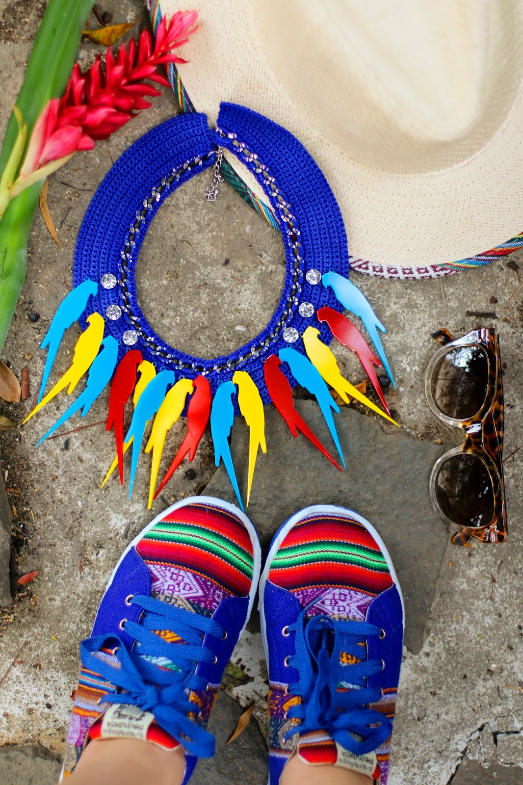 Tropical and colorful Summer accesories