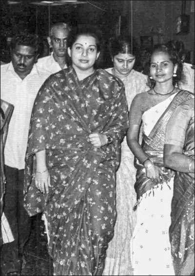 மன்னார்குடி ரீவைண்ட் ஜாதகம் - 2 - சசிகலா சரித்திரம்!