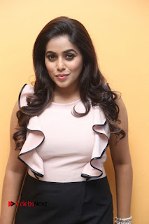 Poorna Stills at Jayammu Nishcayammu Raa Thanks Meet