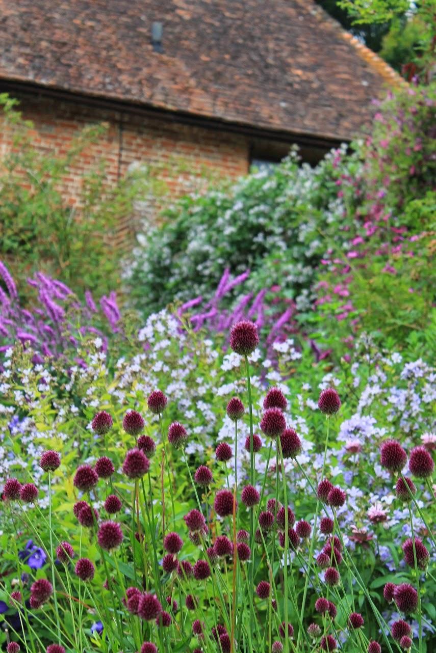 belles fleurs garten haus natur g rten in s dengland sissinghurst. Black Bedroom Furniture Sets. Home Design Ideas