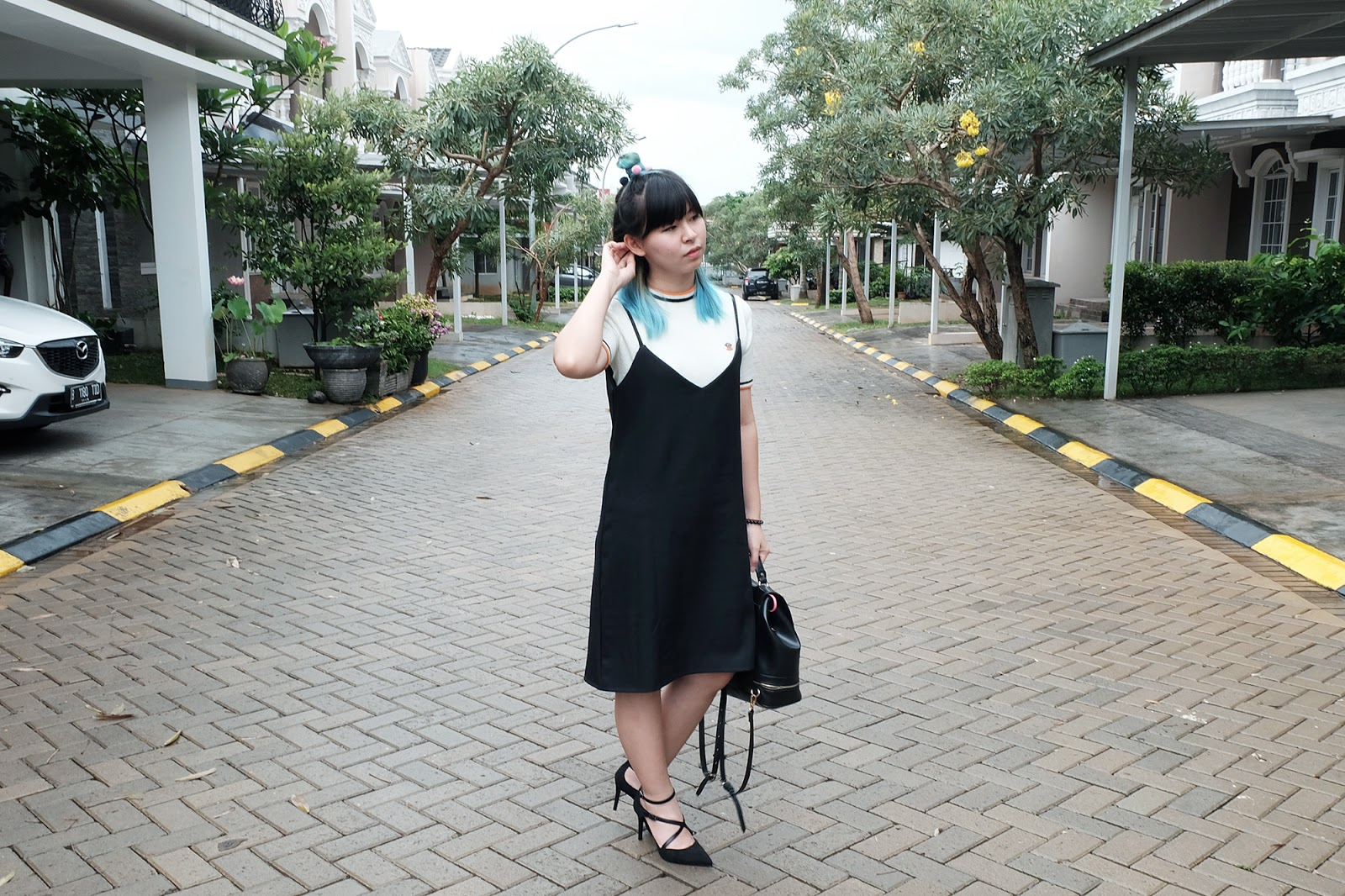 how to wear a black slip dress outfit | www.bigdreamerblog.com