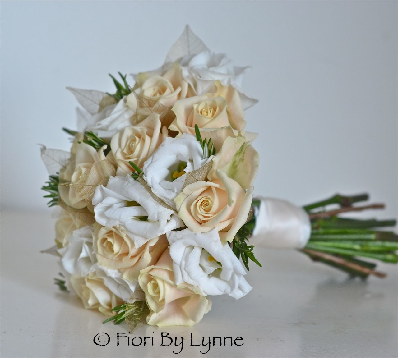 White And Gold Wedding Flowers: Wedding Flowers Blog: Louise's Cream And Gold Wedding