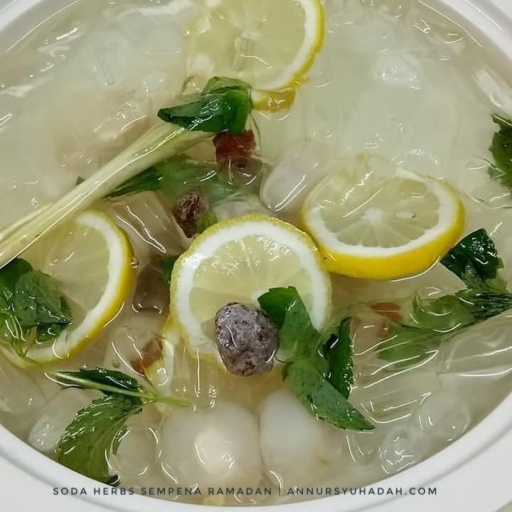 Cara Mudah Buat Air Soda Herbs Original – Fresh! Ada Lemon, Serai, Asam Boi dan Pudina. Resepi soda herbs, air soda laici sedap, air soda laici lemon serai,air detox lemon pudina serai
