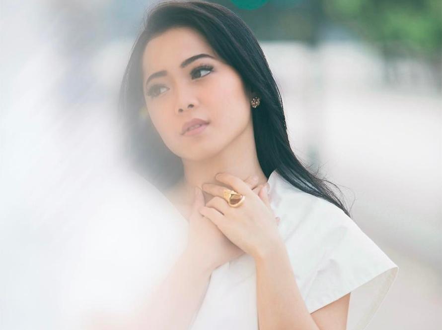 Lirik Lagu Sesuka Hati - Karina Salim