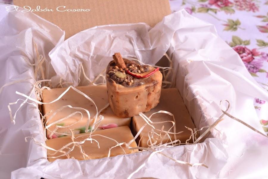 Cajitas rusticas con jabones naturales
