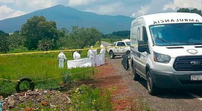 Localizan 4 ejecutados con narcomensaje en Irimbo, Michoacan