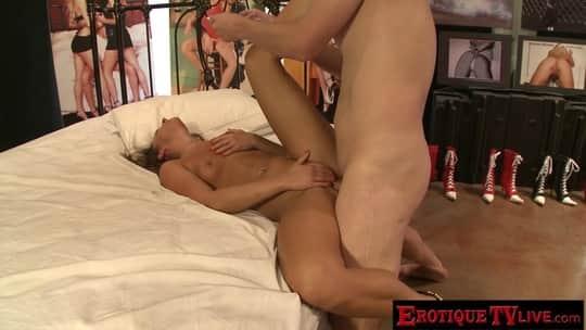 Abby Rain - Erotique TV Live