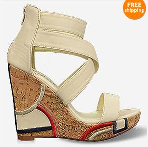 3cb95170c As plataformas continuam na moda, aqui por um preço bastante razoável podes  encontrar estas sandálias em várias cores!