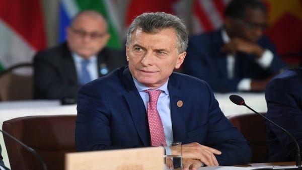 Gobierno de Argentina inicia ajustes bajo receta del FMI