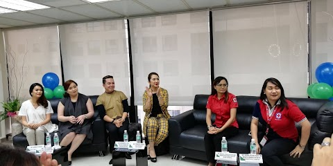 """International Cabin Attendant Training School partners with PH Red Cross to """"Share the Gift of L.I.F.E."""""""