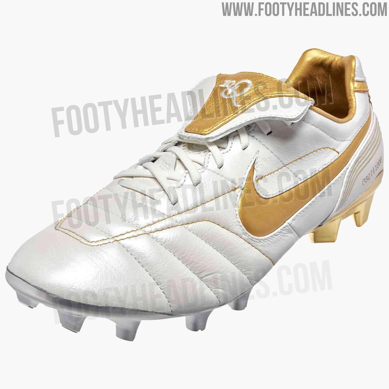 quality design fce61 252be White / Gold Nike Tiempo Legend Ronaldinho 2018 Boots Leaked ...