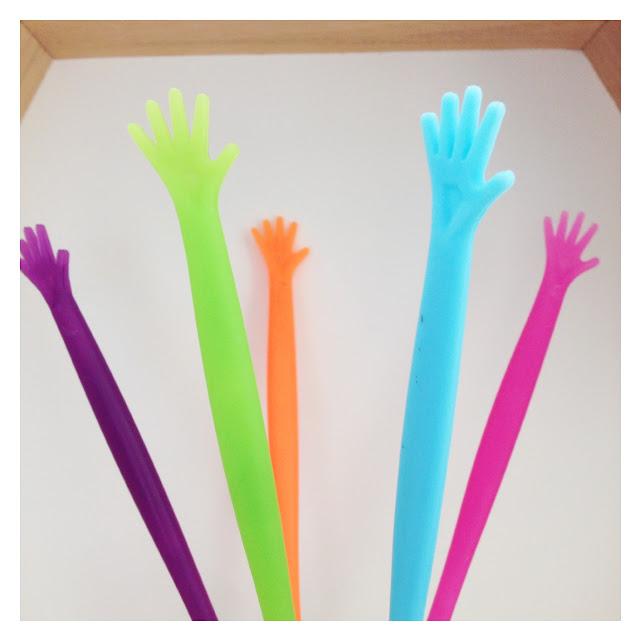 mit Strich und Faden: Hoch die Hände Wochenende - Drinkstäbchen