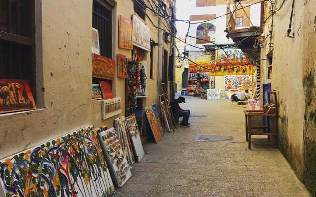 Wander around the streets of Stone Town, Zanzibar