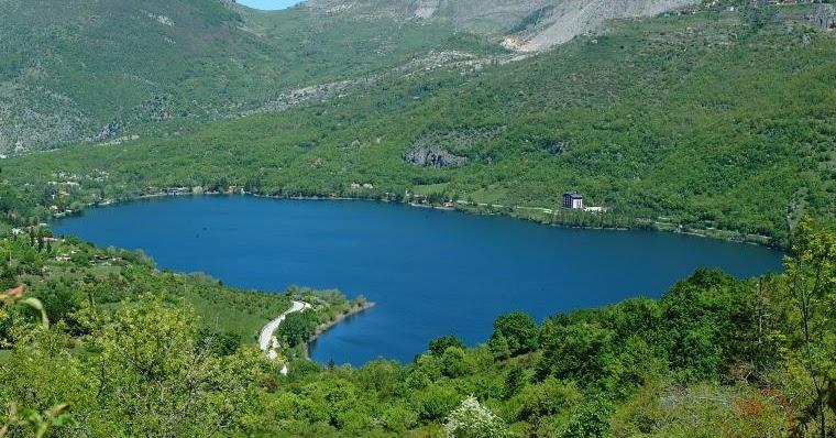 Gli ambienti acquatici il lago - Portano acqua ai fiumi ...