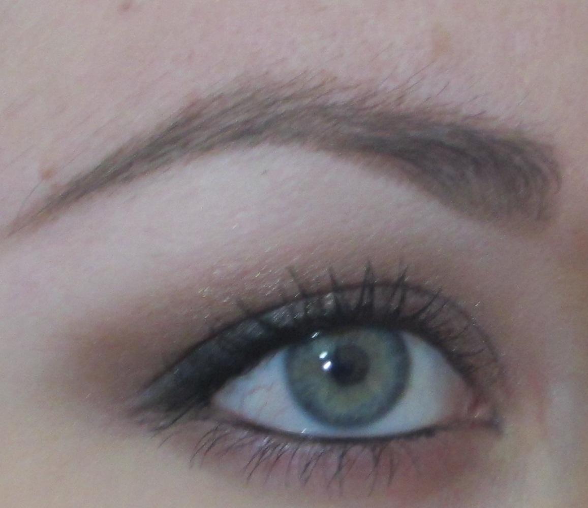Eyeshadow Addicts Anonymous: EYEBROW TUTORIAL -- Filling