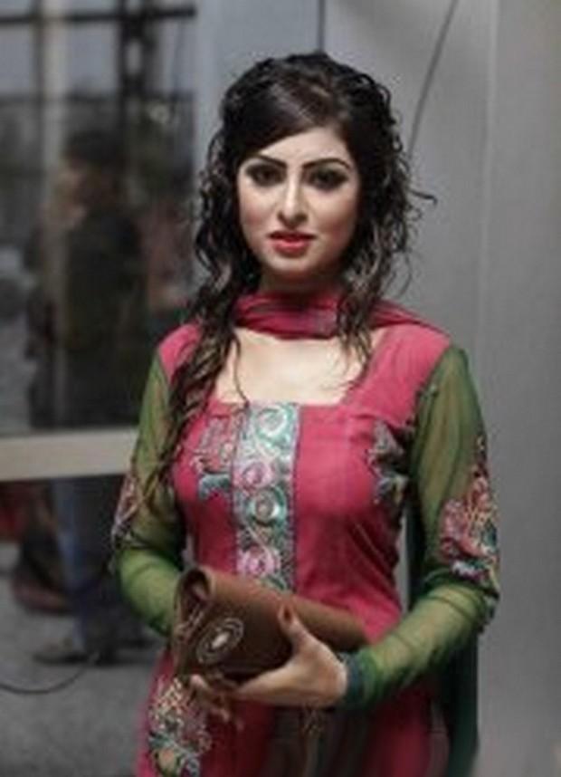 Ajram Teen Islamabad Schöne Nackte Tante Pussy Bilder von Jungen oder
