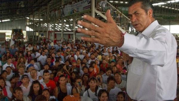 ¡Otra vez! Gobernador mexicano ofende ahora a niñas embarazadas