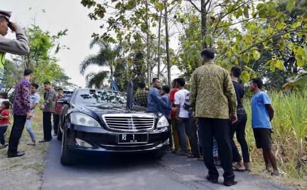 Demokrat Minta SBY Luruskan Masalah Mobil Yang Dipakainya