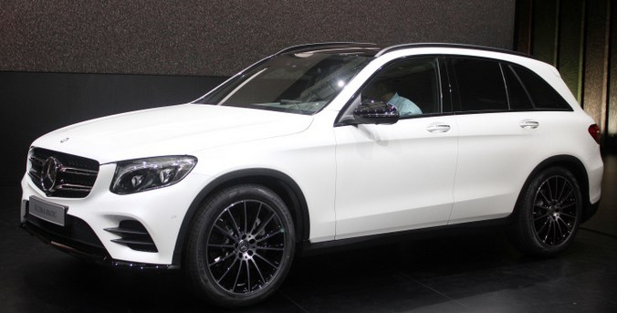 mercedes benz glc 250d elegant ride. Black Bedroom Furniture Sets. Home Design Ideas